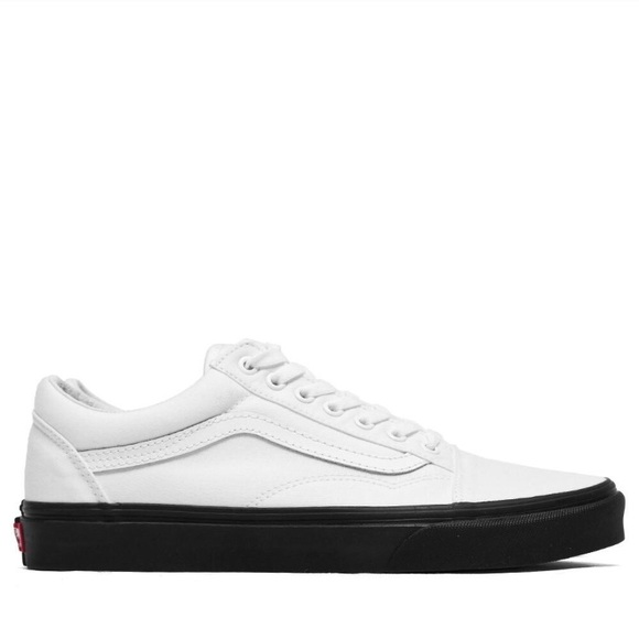 979d005618b0e2 Vans old skool sneakers white canvas black sole. M 5b65bf53800deee82a28b8e8